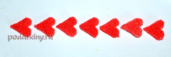 Красные сахарные сердечки