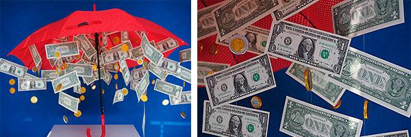 Зонт из денег