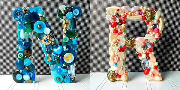 Буквы, декорированные пуговицами