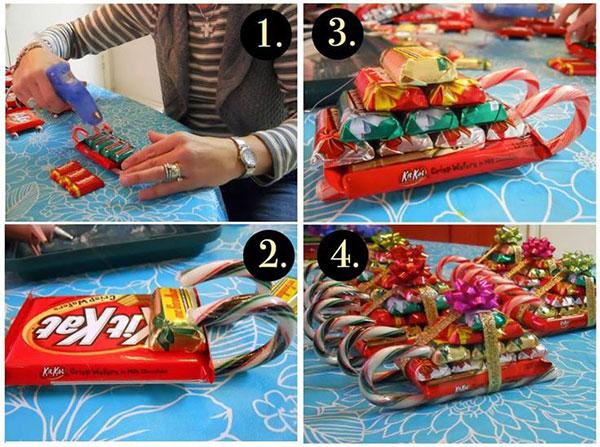 Как сделать санки из сладостей