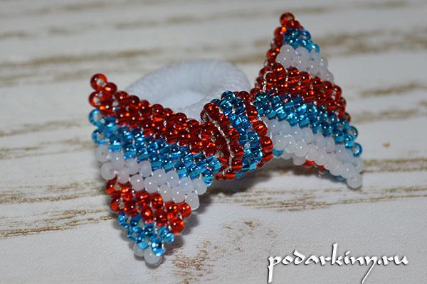 Бантик из бисера в цветах флага России