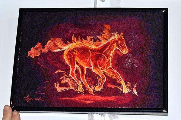 Вышивка гладью Огненный конь